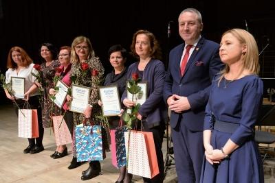 Pracownicy pomocy społecznej zostali uhonorowani