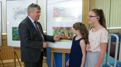 Dzieci malowały i w nagrodę pojadą koleją na wycieczki