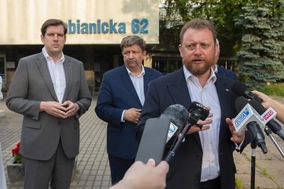 Minister Szumowski przyjechał do Łodzi w związku z wypadkiem w Bogusławicach