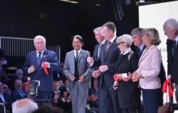 Kenzo, Gucci, Fendi  i Wałęsa na otwarciu Ptak Fashion City
