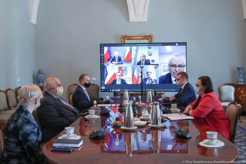 Samorządowcy łączyli się z Pałacem Prezydenckim