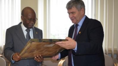 Ambasador Angoli z wizytą w Łódzkiem