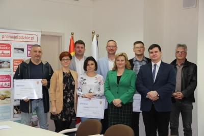 Na sportowo- bez smartfona, czyli młodzieżowe kluby sportowe z powiatów łaskiego  i wieruszowskiego ze wsparciem finansowym.